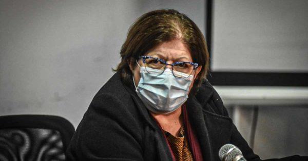 Coronavirus: por dos contactos estrechos, aíslan a la secretaria de Salud