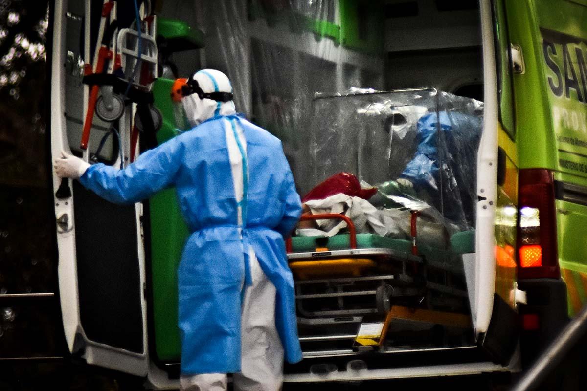 """Alertan por el nivel de """"tensión"""" del sistema sanitario y piden responsabilidad a la sociedad"""