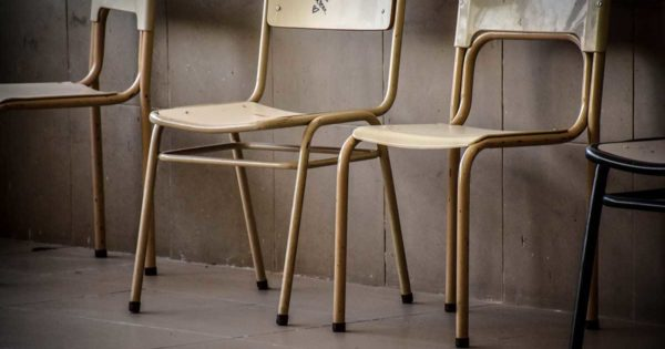 escuela silla paro