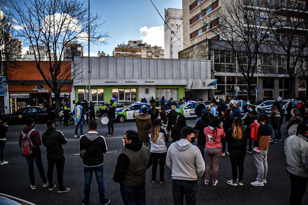 Policía Bonaerense: tras el anuncio de suba salarial, otra protesta en Mar de Plata