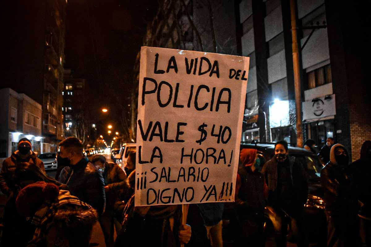 """Tras la protesta policial, el gobierno anunciará una """"mejora salarial importante"""""""