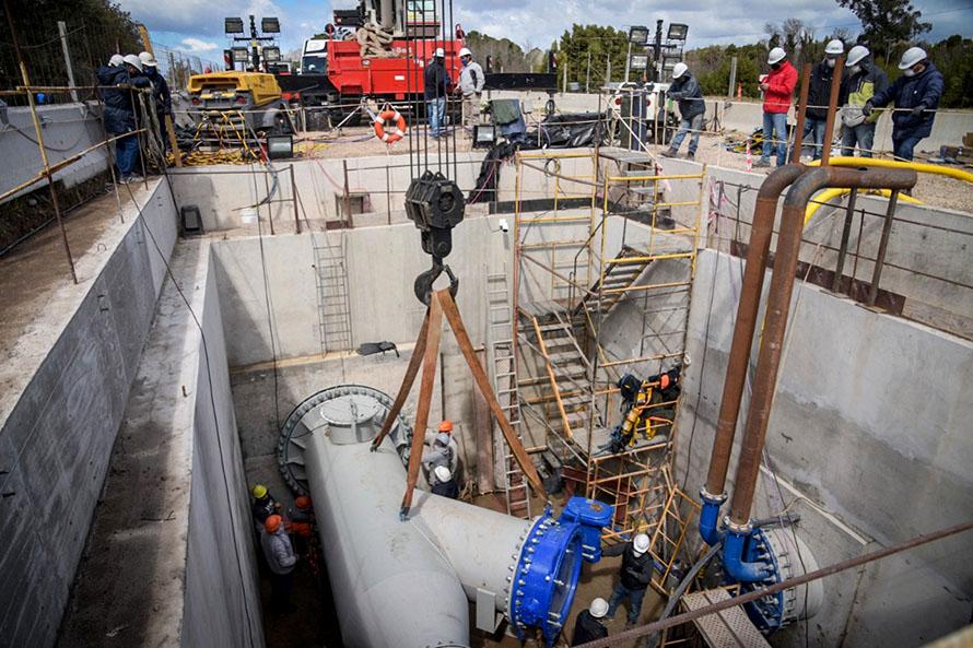 Acueducto Oeste: 17 horas de trabajo y 45 operarios para concretar el empalme final