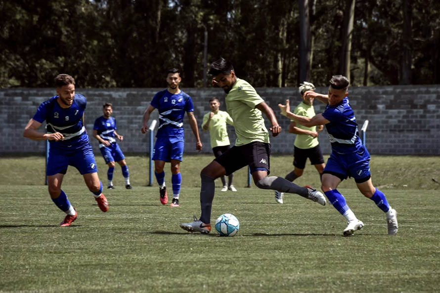Alvarado volvió a sumar minutos ante Santamarina de Tandil