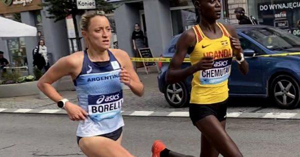 Florencia Borelli batió el récord argentino en el Mundial de Media Maratón