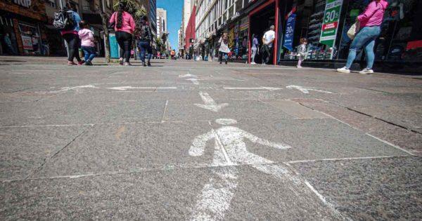 """Coronavirus: con la mitad de la Provincia """"en rojo"""", Mar del Plata sigue en fase 4"""