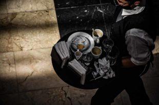 Gastronómicos: cuestionan un acuerdo por suspensiones y rebajas salariales