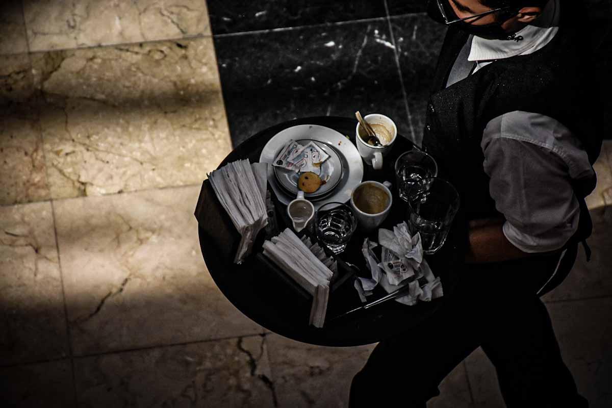 """Trabajo en el sector gastronómico: advierten por una """"altísima informalidad"""""""