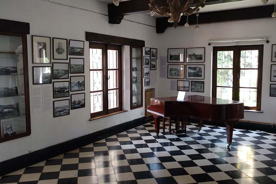 Entraron a robar a Villa Mitre y se llevaron objetos históricos