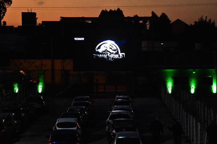 """""""Cine sobre ruedas"""": último fin de semana del autocine en Mar del Plata"""