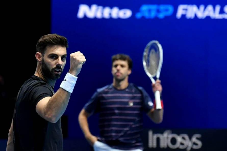 Zeballos clasificó a las semifinales del Masters de Londres pero preocupa la lesión de Granollers