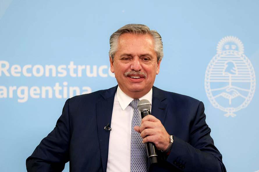 Alberto Fernández anunció el pago de un bono a trabajadores de la salud
