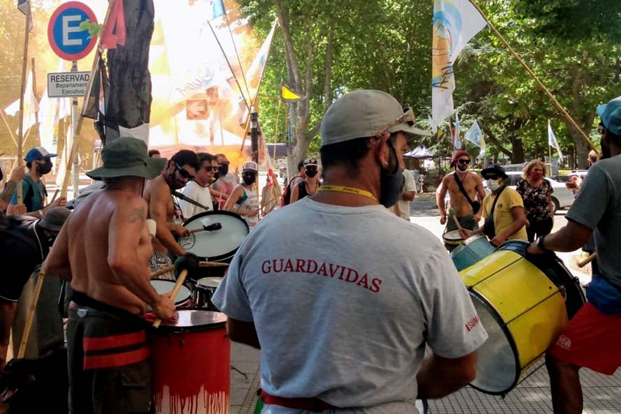 Guardavidas: nueva protesta, otra reunión y acercamiento en la paritaria municipal