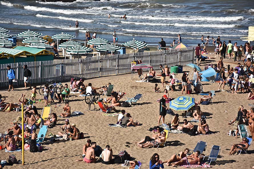 Turismo y pandemia: por el fin de semana largo llegaron a Mar del Plata 125 mil personas