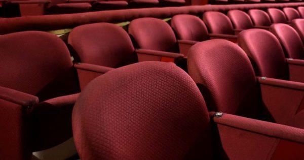 """Reapertura de teatros: apuntan a """"reencontrarse"""" con el público en vacaciones de invierno"""