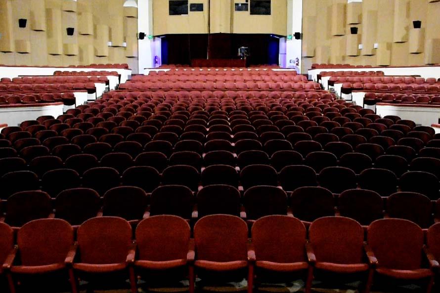 El Teatro Auditorium reabre sus salas y suma programación al aire libre