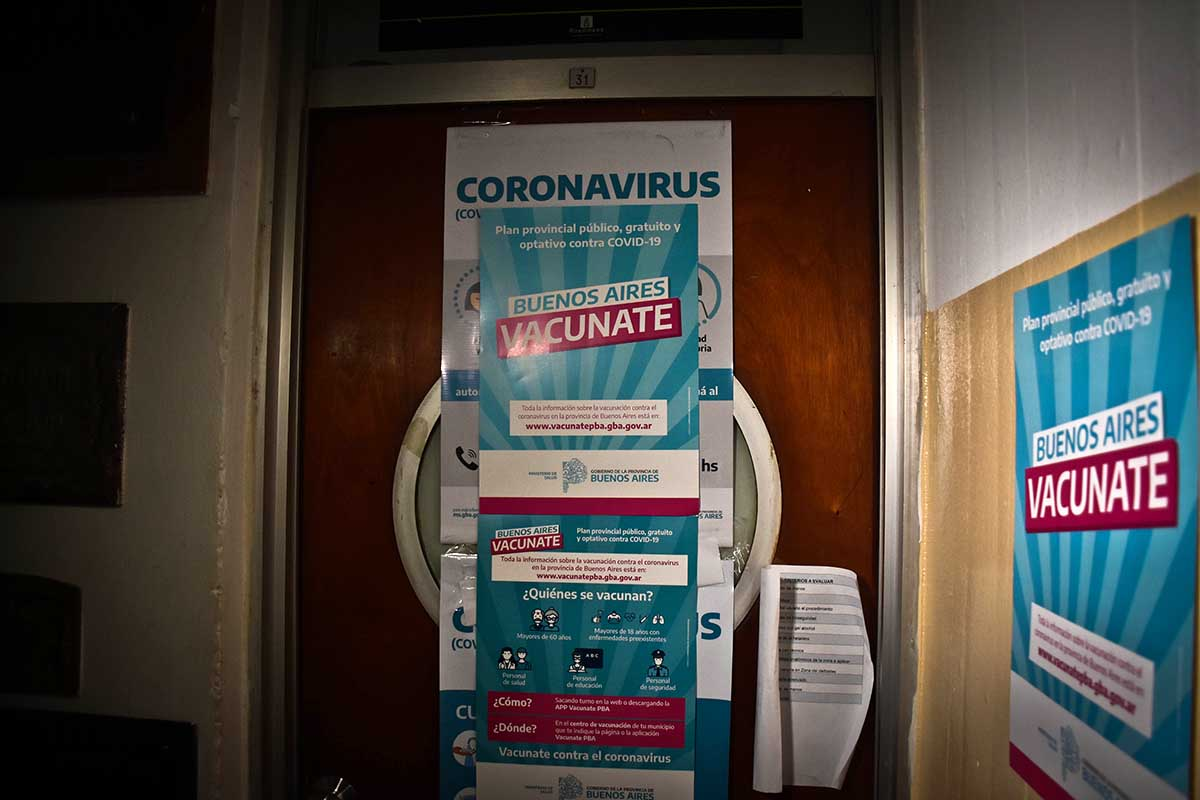 Vacunación: lanzan inscripción presencial para quienes tengan dificultades con la web