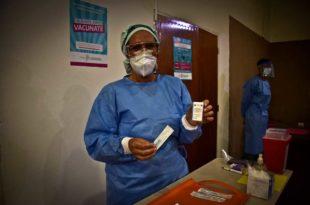 """Vacunación: la Provincia anunció que empieza la """"fase de inmunización masiva"""""""