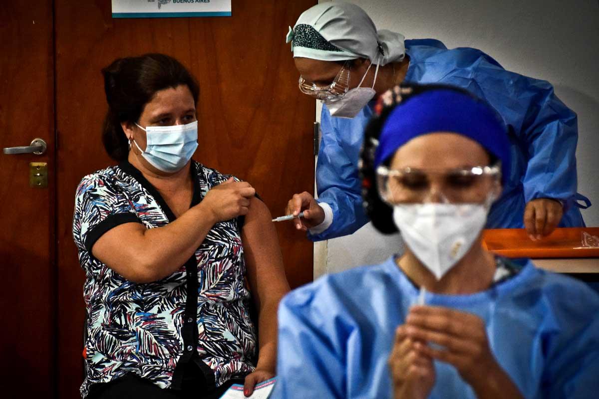 Empezó la vacunación de los primeros trabajadores de salud en Mar de Plata