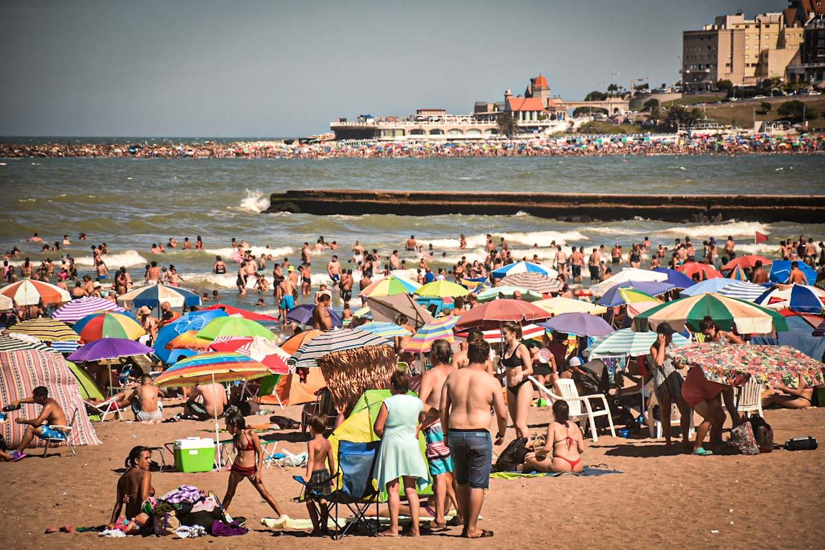 Mucho calor y playa: la sensación térmica llegó a 34.1° en Mar del Plata