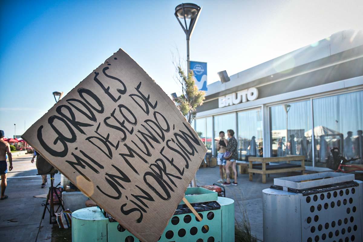 """Una protesta en Bruto contra la gordofobia: """"Sucede sistemáticamente"""""""