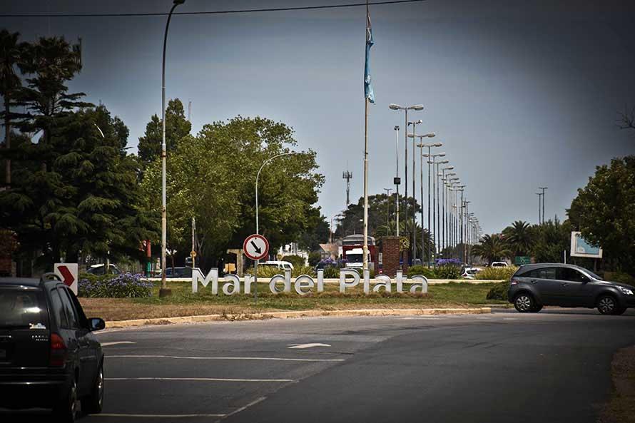 En el recambio de enero, 600 autos por hora circulan hacia Mar del Plata por Ruta 2