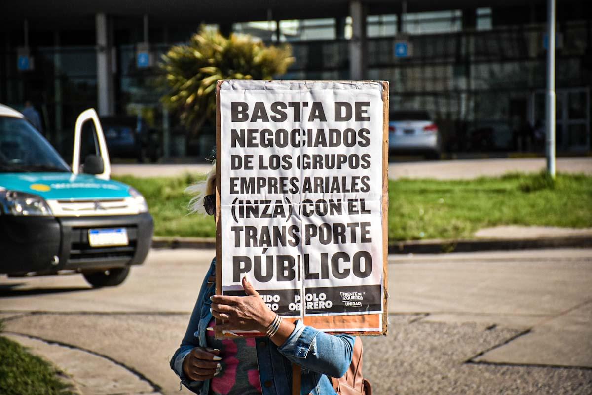 Sin boleto estudiantil en Costa Azul: una protesta en la Municipalidad