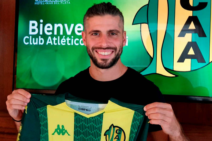 Aldosivi oficializó la contratación de Emiliano Insúa