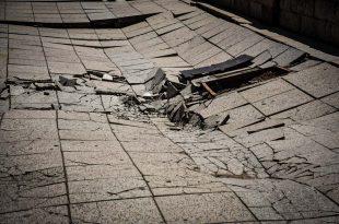 Se hundió parte de la vereda frente al Casino del Mar y evalúan el riesgo