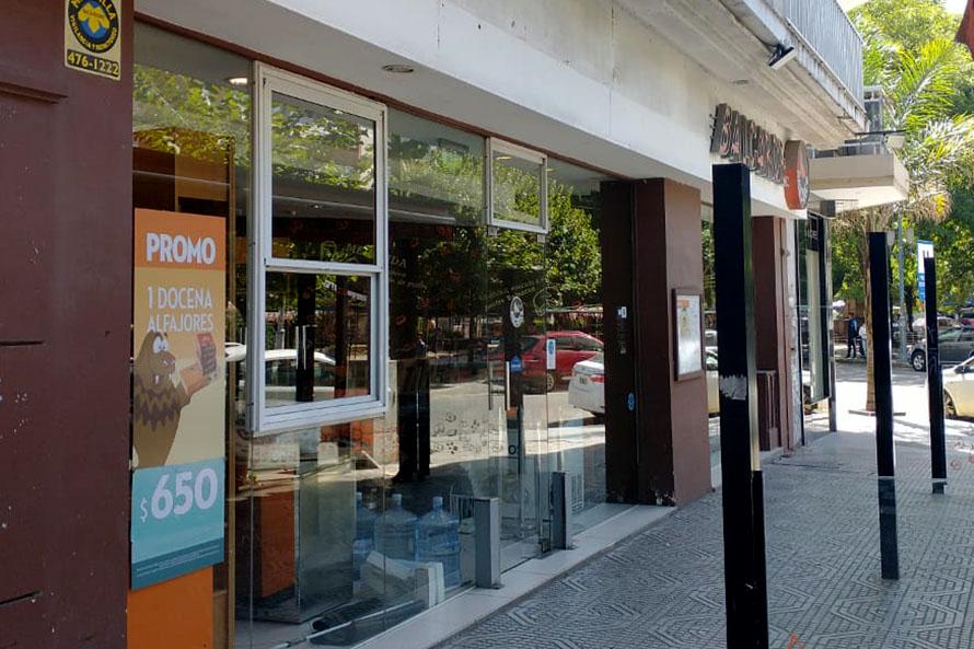 """Empleados de Comercio """"en estado de alerta"""" por cierre de locales de Postres Balcarce"""