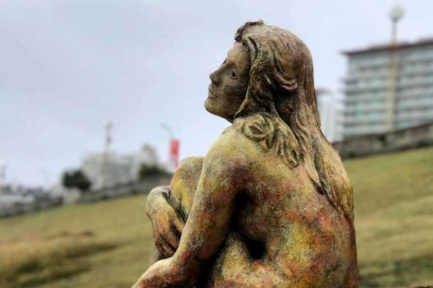 Una convocatoria pública del Municipio tras la aparición de una misteriosa escultura