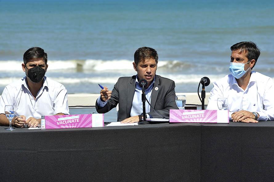 """Kicillof: """"Nuestro objetivo es que nadie se vacune por fuera de las prioridades"""""""