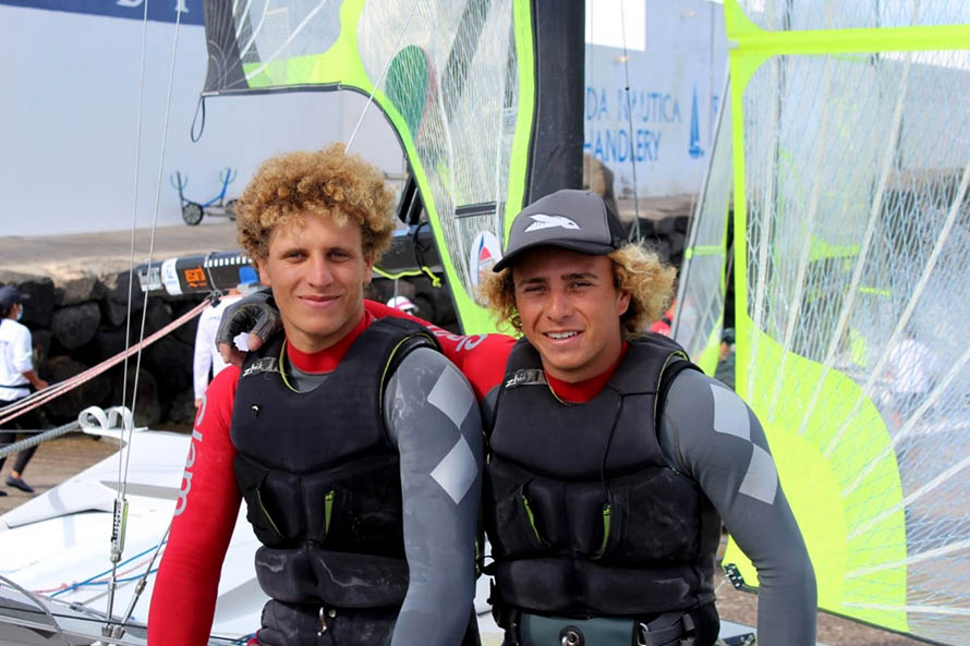Vela: Luca y Massimo Contessi completaron su primera gira por Europa