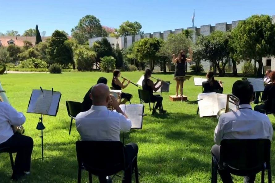 La banda del Servicio Penitenciario se sumó a los homenajes de Piazzolla