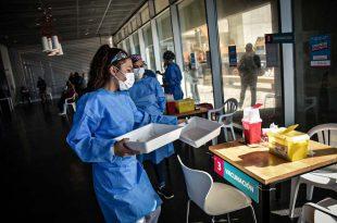 """Coronavirus: Kicillof anunció la """"vacunación libre"""" para mayores de 70 años"""