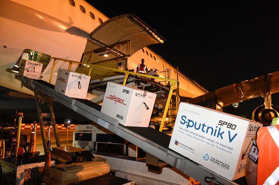 Coronavirus: llegaron al país otras 732.500 dosis de la vacuna Sputnik V