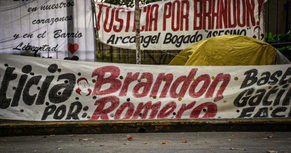 Homicidio de Brandon Romero: segundo día de acampe, hasta que los reciba el juez