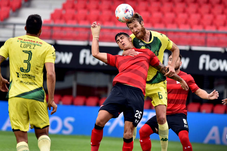 Estudiantes venció a Aldosivi en la última jugada del partido