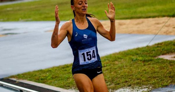 Atletismo: Indiana Holgado y Mariana Borelli, campeonas nacionales