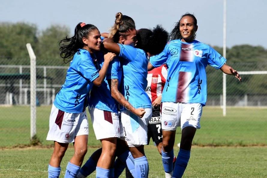 Fútbol femenino: Marina Delgado anotó en la goleada de la UAI Urquiza