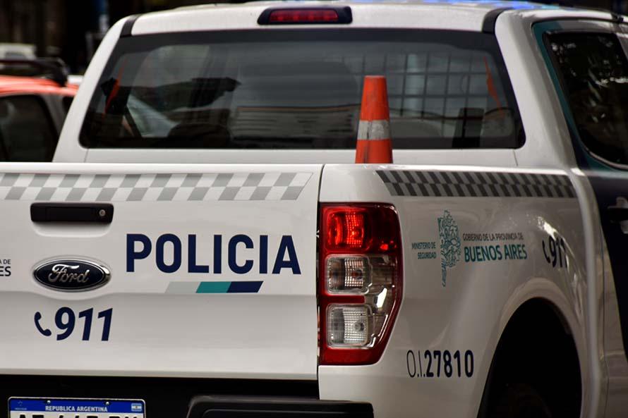 Abordaron en moto a dos mujeres y las amenazaron para robarles: un detenido