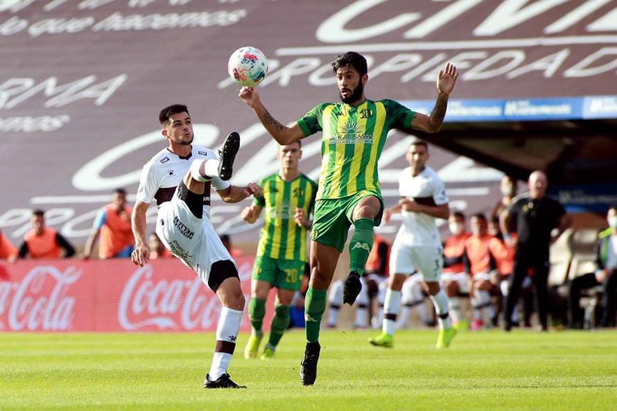 Después de tres derrotas, Aldosivi volvió al triunfo ante Platense