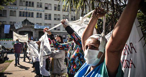 Acampe, concentración y protesta de trabajadores de la salud en el HIGA