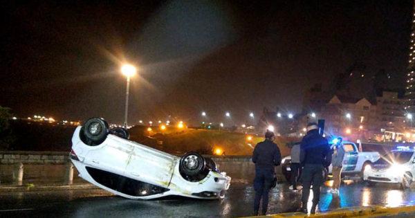Montenegro pide que se le retire la licencia a la joven que volcó su auto en la costa