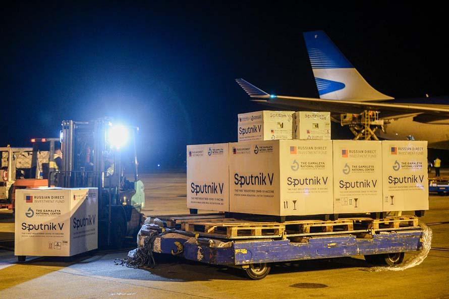 Coronavirus: llegaron a Argentina otras 500 mil dosis de la vacuna Sputnik V