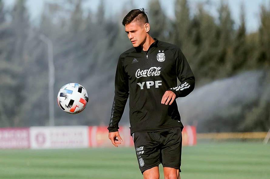 Eliminatorias: Argentina quiere mantenerse en lo alto y visita a Colombia
