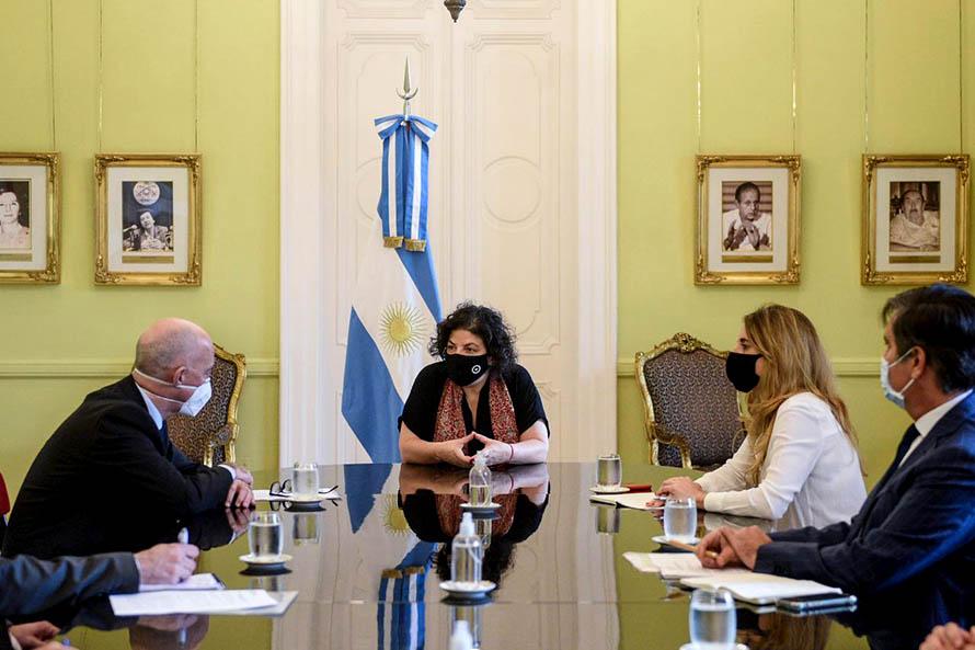 Argentina busca aumentar la producción de la vacuna de Oxford-AstraZeneca