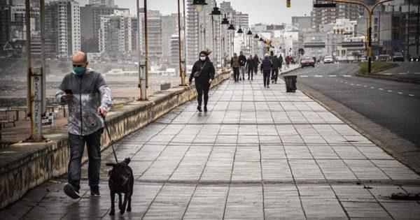 """Pronóstico: se mantiene el """"alerta violeta"""" por el intenso frío en Mar del Plata"""