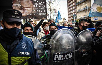 PROTESTA EN CONTRA Y APOYO JUEZ LÓPEZ ABORTO -1464