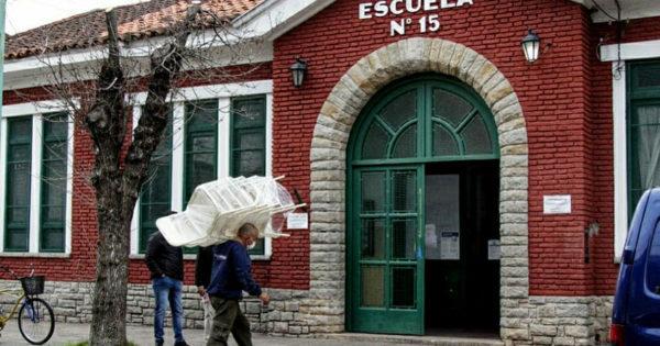 Entregaron mobiliario escolar en 58 establecimientos educativos de Mar del Plata