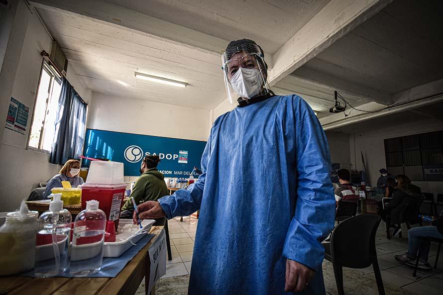 Coronavirus: agosto, con registros similares al primer brote pero con menos internaciones